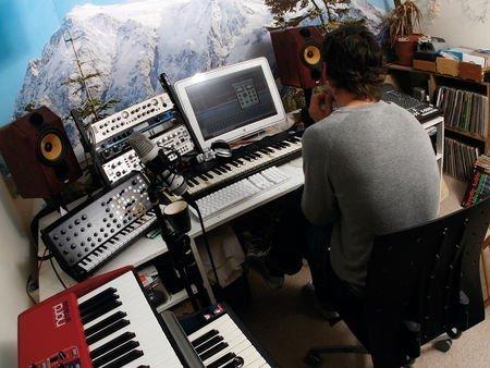 Studio-bad-habits-450-80